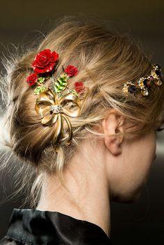 Dolce & Gabbana Fall 2015 Ready-to-Wear Beauty Photos - Vogue