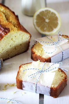 La recette de Cake au citron de Pierre Hermé maison par Délice Céleste. Recette maison simple et accessible à tous les budgets.