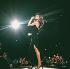 Selena Gomez Pinterest : @maaaeva