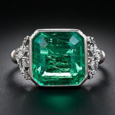 Beautiful 5.31 Carat Emerald and 0.15 CT Edwardian Diamond Engagement / Wedding Ring.