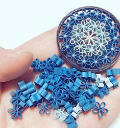 Image may contain: 1 person - Quilling Ideas Ideas Quilling, Quilling Flower Designs, Quilling Images, Paper Quilling Flowers, Paper Quilling Patterns, Origami And Quilling, Quilling Paper Craft, Quilling 3d, Paper Crafts