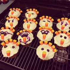 No one is waiting in a line for these turkey cupcakes. #pinterestfail