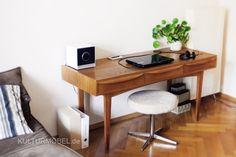 Im neuen Zuhause bei Stefan angekommen - der Schreibtisch 602/C in Sen-Esche mit den typischen Schüben aus gebogenem Schichtholz von Bauhaus-Architekt Franz Ehrlich. Schlicht (und) schön. ❤️