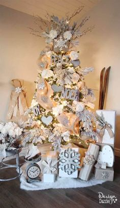 CHRISTMAS TREE~Winter Wonderland Glam Christmas Tree designed by Toni Roberts of Design Dazzle. Snow tipped branches, gold hydrangeas, white roses, lots of bling and touches of galvanized metal create this Winter Wonderland Glam Tree. Rose Gold Christmas Decorations, Christmas Tree With Gifts, Christmas Tree Design, Beautiful Christmas Trees, Christmas Tree Themes, Noel Christmas, Christmas Tree Decorations, Christmas Mantles, Christmas Villages