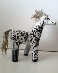 """""""fika"""" zebra, forma przestrzenna wykonana z recyklingu technika własna wysokość 30 cm,"""