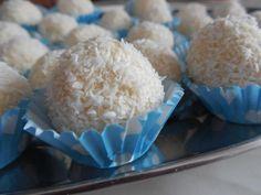 Recepty na nepečené guľky kokosové, čokoládové, medové, makové   Naničmama.sk Ale, Dessert Recipes, Tasty, Sweets, Chocolate, Food, Gummi Candy, Ale Beer, Candy