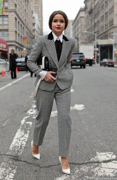 How freaking fabulous, everything about this look I LOVE!!