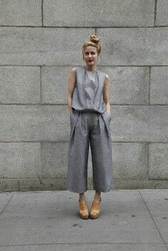 Matching lilac culottes and sleeveless top.  Perfect spring capsule wardrobe pieces.