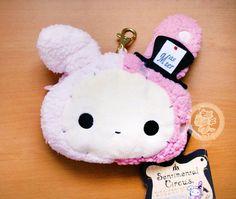 Idée cadeau~~ Un porte-monnaie/porte-carte passpass en peluche tellement kawaii en forme de Shapo le petit lapin mignon dans Sentimental Circus de San-X (♡^x^♡)  **Article San-X authentique, importé du Japon~ -boutique kawaii en ligne / online kawaii shop www.chezfee.com
