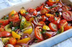 Middelhavssnack, fetaost, cherrytomater og oliven.