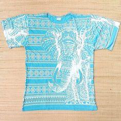 Você veste o que tem mais significado para você. Camisetas unissex com símbolos e estampas étnicas.  Garanta a sua no Whatsapp: 13 982166299  #modahippie #modaetnica #plur