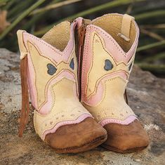 Shea Baby was inspired by recording artist and designer Shea Fisher-Durfey. Shea and husband, world champion tie down roper. Baby Girl Cowboy Boots, Newborn Cowboy, Baby Boots, Baby Girl Shoes, Kids Boots, Cute Baby Girl, Girls Shoes, Baby Girls, Designer Kids Clothes