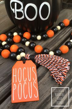 Wood Bead Garland, Beaded Garland, Fall Crafts, Holiday Crafts, Holiday Ideas, Holiday Decor, Fall Halloween, Halloween Crafts, Halloween Ideas