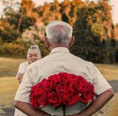 Vieux Couples, Old Couples, Couples In Love, Old Love, Real Love, True Love, Growing Old Together, Everlasting Love, Jolie Photo