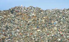 > Limeuil-Brévannes : le scandale de la montagne de déchets.       Dans le Val de Marne, sur la commune de Limeuil-Brévannes, la colère monte. Une montagne de déchets de 25 mètres de haut et de 150.000 m3 empoisonne la vie des habitants de cette commune.