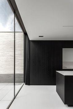 Francisca Hautekeete - architect Gent - H - Drongen - huis / uitsparing plafond voor gordijn + verborgen achter keukenkast