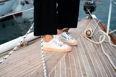 Timeless and versatile sneaker made from organic cotton and set on natural rubber soles Natural Rubber, Vegetable Tanned Leather, Girls Best Friend, Tan Leather, Organic Cotton, Sneakers, Fashion, Tennis, Moda