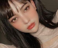Ulzzang Korean Girl, Cute Korean Girl, Cute Asian Girls, Kawaii Makeup, Pink Makeup, Beauty Makeup, Makeup Korean Style, Asian Makeup, Korean Beauty Standards