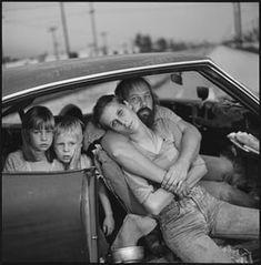 Mary Ellen Mark . The Damm family in their car, Los Angeles, California, 1987