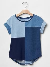 Indigo patchwork tee Great selection at divafashion. Have a look Indigo patchwork tee Great selection at divafashion.ch, Have a look Source by Sewing Clothes, Diy Clothes, Dress Sewing, Sewing Shirts, Clothes Women, Denim Fashion, Fashion Outfits, Fashion Sewing, Fashion Ideas