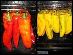 Ardei Copti La Cuptor - Recipes By Monique Canning Recipes, My Recipes, Favorite Recipes, Iran Food, Good Food, Yummy Food, Romanian Food, Recipe Images, Diy Food