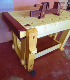 marco amesty saved to maderas y LEG VISE DESIGN - Jigs - Fine Woodworking- No vise screw. footpedal 29 Beautiful Fine Woodworking Projects You Can Sell Jet Woodworking Tools, Woodworking Bench Plans, Woodworking Joints, Woodworking Patterns, Woodworking Workshop, Popular Woodworking, Woodworking Furniture, Woodworking Crafts, Woodworking Magazine