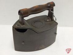 Antique Iron, Vintage Iron, Home Appliances, Slug, Retro, Antiques, Laundry, Google Search, Art