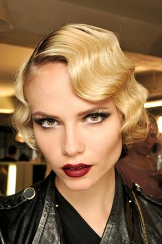 Vintage make-up and hair Great Gatsby Hairstyles, Vintage Hairstyles, Wedding Hairstyles, Wave Hairstyles, Medium Hairstyles, Victorian Hairstyles, Ladies Hairstyles, Hairstyles 2016, Summer Hairstyles