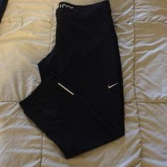 Xl nike crop legging Amazing new size xl nike crop legging. These don't even look worn, maybe washed once? I added a photo of me wearing them even though they're big on me. Love these! Nike Pants Leggings