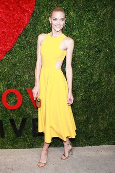 Jaime King, Michael Kors, God's Love We Deliver Golden Heart Awards Jamie King, Red Carpet Looks, Mellow Yellow, How To Feel Beautiful, Yellow Dress, Dress Me Up, Types Of Fashion Styles, Evening Gowns, Fashion Beauty
