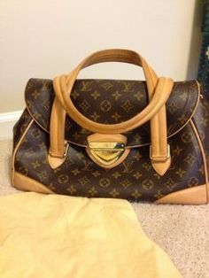 Louis Vuitton The Beverly Gm Shoulder Bag $1,392