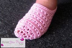 Knot Your Nana's Crochet: Women's Simple Slippers free pattern