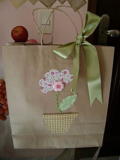 Creative Gift Wrapping, Creative Gifts, Wrapping Gifts, Homemade Gift Bags, Decorated Gift Bags, Gift Wraping, Gift Envelope, Paper Gift Bags, Craft Gifts