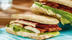 Ricotta and Grilled Tandoori Chicken Sandwich Entree Recipes, Lunch Recipes, Ricotta, Grilled Tandoori Chicken, Sandwiches, Curry Paste, Chicken Sandwich, Poultry, Entrees