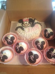 Minnie Mouse smash cake and cupcakes. 2013