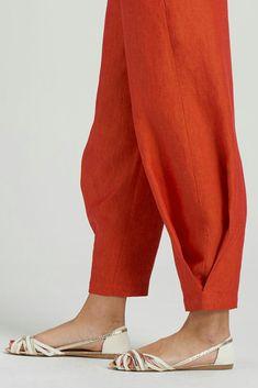 Elizabeth Linen Easy-wear Structured Pants - Ethnic pant design Source by liliafr - Kurti Sleeves Design, Sleeves Designs For Dresses, Neck Designs For Suits, Kurta Neck Design, Dress Neck Designs, Blouse Designs, Salwar Designs, Kurti Designs Party Wear, Salwar Pants