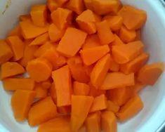 Édesburgonya fasírt fokhagymás mártogatóssal   Vasvári Nikolett receptje - Cookpad receptek Carrots, Mango, Vegetables, Fruit, Food, Manga, Essen, Carrot, Vegetable Recipes