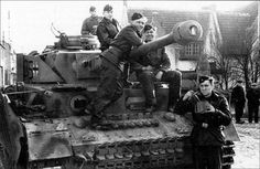 pictures of the 12th SS Panzer Division... - the german tank freak