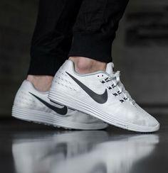 Nike Lunar Tempo 2: White