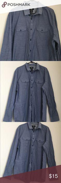 Calvin Klein Men's  Button Down Shirt Sz XL Calvin Klein Men's Chambray Cotton Button Down Shirt Sz XL Calvin Klein Shirts Casual Button Down Shirts