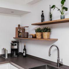 Kitchen Interior, Kitchen Design, Lets Stay Home, Home Kitchens, Floating Shelves, Sweet Home, Villa, New Homes, House Design