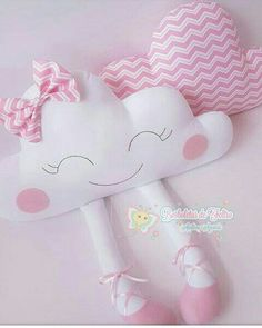 Amazing Home Sewing Crafts Ideas. Incredible Home Sewing Crafts Ideas. Baby Crafts, Felt Crafts, Diy And Crafts, Baby Pillows, Kids Pillows, Sewing For Kids, Baby Sewing, Sewing Crafts, Sewing Projects