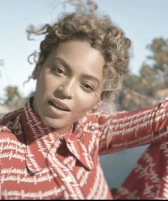 "Why Beyoncé's Hair In ""Formation"" Is So Important #refinery29 http://www.refinery29.com/2016/02/102779/beyonce-formation-hair"