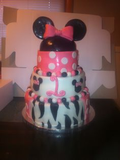 Minnie Mouse cake by me :)
