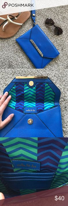"Stella & Dot ""Avalon"" envelope clutch/wristlet EUC Stella & Dot envelope  wristlet/clutch. Gorgeous royal/cobalt blue color with gold hardware, magnetic closure, 3 card slot inside Stella & Dot Bags Clutches & Wristlets"