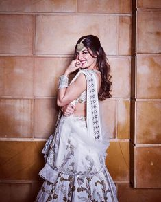 Most Stylish Outfits to Steal from Jacqueline Fernandez for your BFF's Wedding Bollywood Dress, Bollywood Stars, Bollywood Fashion, Bollywood Images, Jacqueline Fernandez, Indian Celebrities, Bollywood Celebrities, Hot Actresses, Indian Actresses