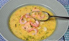 Fisksoppa eller fiskgryta med lax, räkor, torsk, potatis, purjolök samt morot. Servera med gott bröd, grissinis, soppbröd, kuvertbröd eller smörstekta små vita brödkrutonger. Soppan kan serveras som förrätt eller huvudrätt. Diner Recipes, Fish Recipes, Soup Recipes, Snack Recipes, Seafood Dishes, Fish And Seafood, What To Cook, Soups And Stews, Love Food