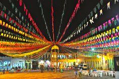 A cidade decorada para o São João. - Joaquim Nery