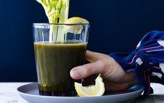 Sådan laver du sund juice med peberfugt, bladselleri og spinat