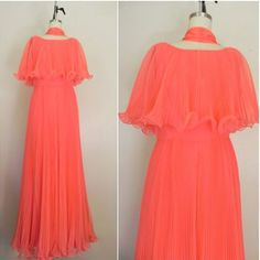 NEW IN THE SHOP Vintage 1970s Coral Hippie Style Dress (35/28/50) $76 http://ift.tt/1lP6fC1